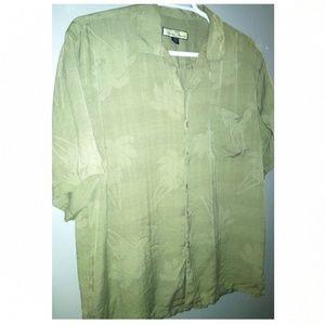 Tommy Bahama Men's XL 100% Silk short sleeve shirt